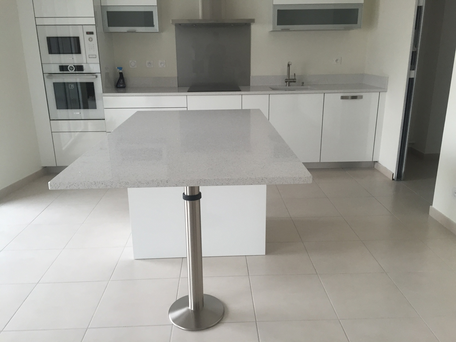Pieds de table en granit ou quartz en gironde bordeaux for Installer plan de travail
