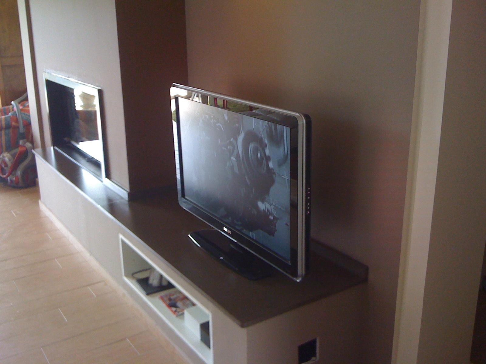 meuble tv en granit bordeaux