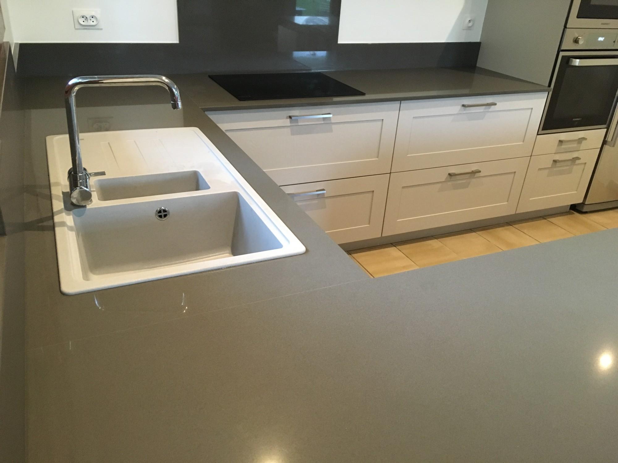 Plan de travail quartz gris finest cuisine quipe design - Prix plan de travail quartz schmidt ...