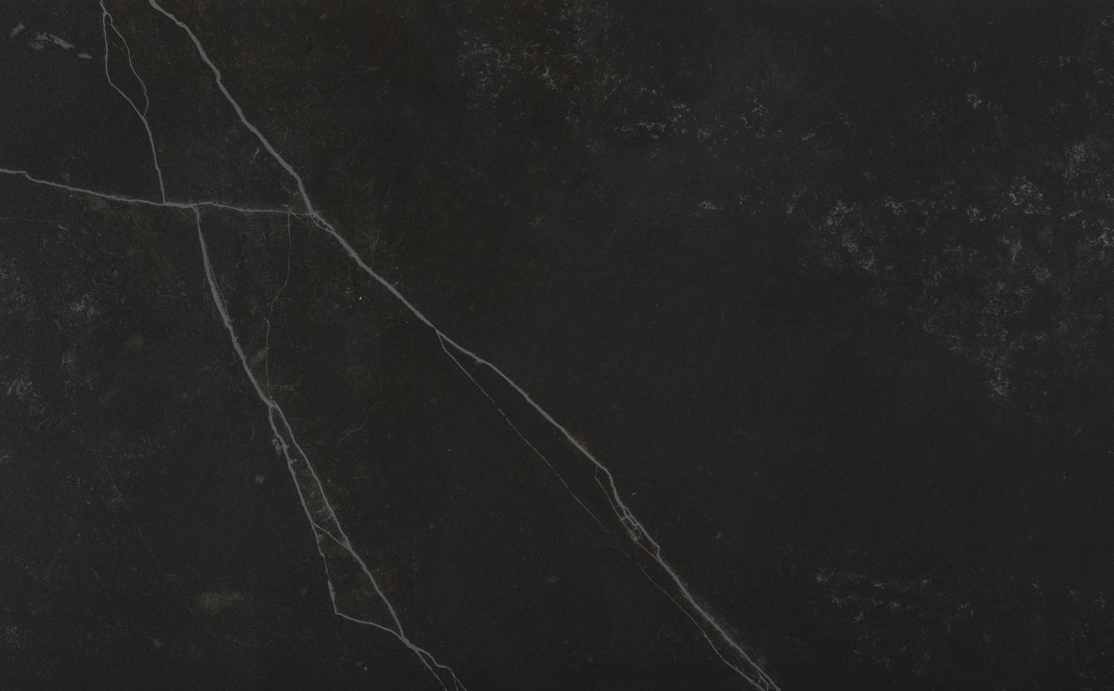 cuisine en granit noir bordeaux