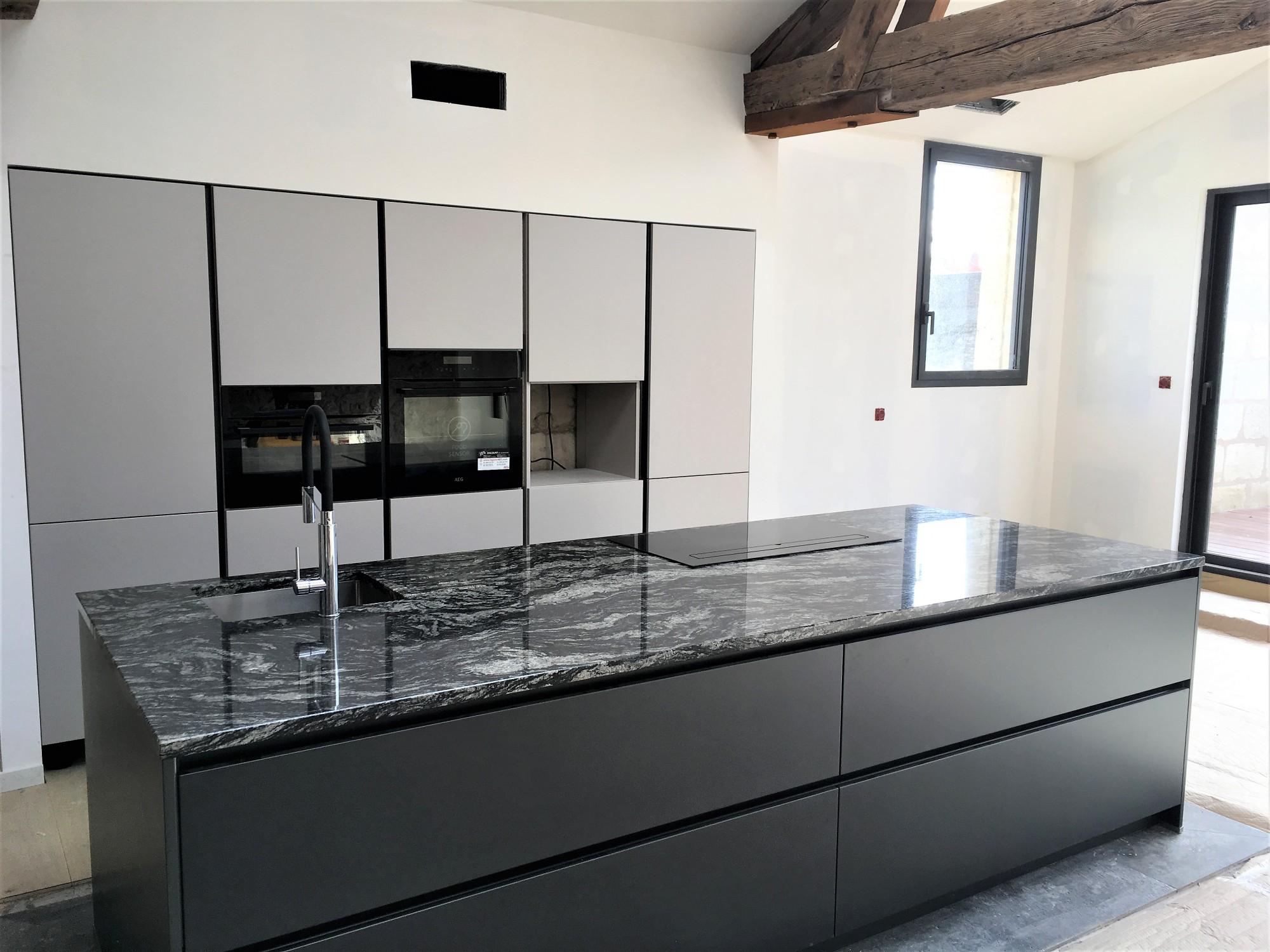 Mettre Un Ilot Central Avec Du Granit Dans Sa Cuisine En Gironde Et