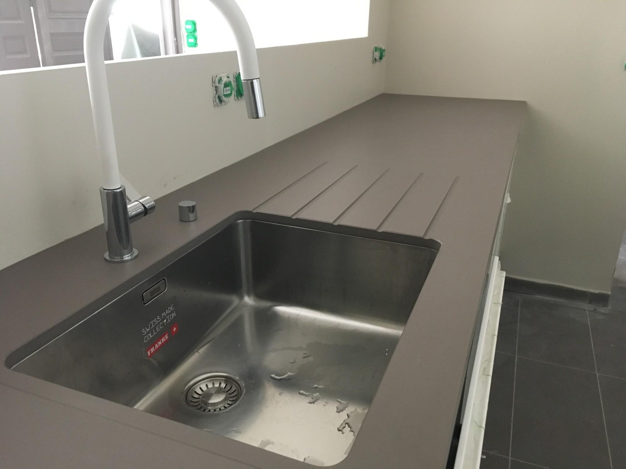 cuisine en granit noir du zimbabwe gironde 33 hm deco. Black Bedroom Furniture Sets. Home Design Ideas
