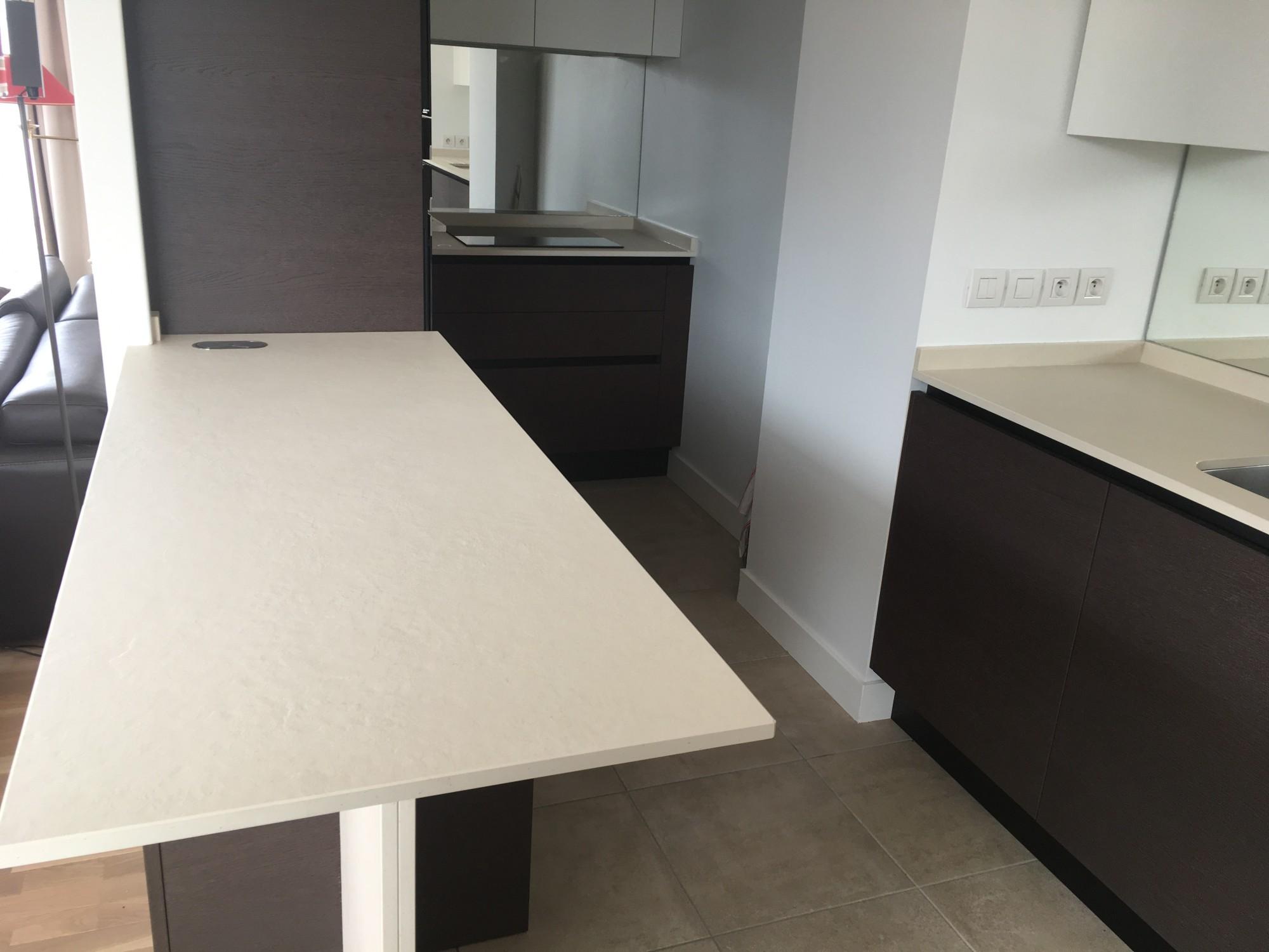 plan de travail dekton avis cool cuisine bois massif plan de travail en dekton coloris sirius. Black Bedroom Furniture Sets. Home Design Ideas