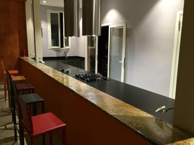 comptoir de cuisine en pierre restaurant 33
