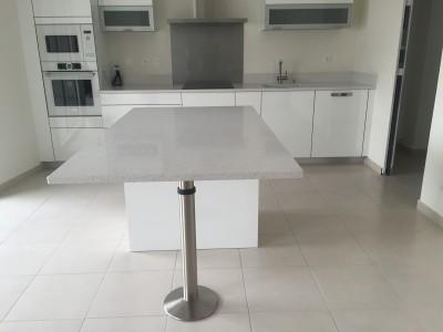 Pieds de table en granit ou quartz en gironde bordeaux - Plan de travail avec table coulissante ...