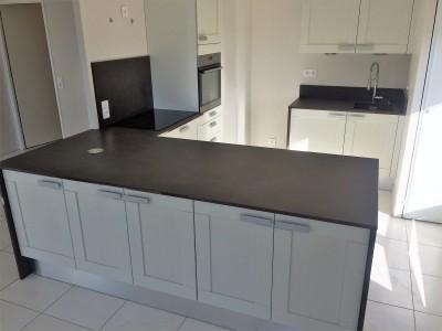 plan de travail keranium bordeaux hm deco. Black Bedroom Furniture Sets. Home Design Ideas