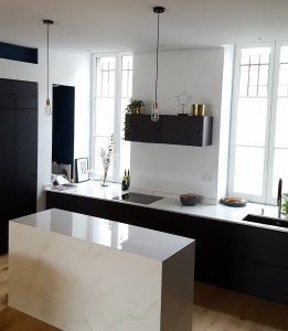 Plan de travail en Dekton Trundra en collaboration avec TWO ARCHITECTES